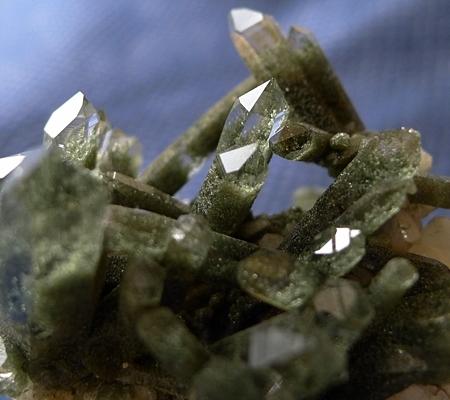 ヒマラヤ水晶原石緑泥石入り047-4
