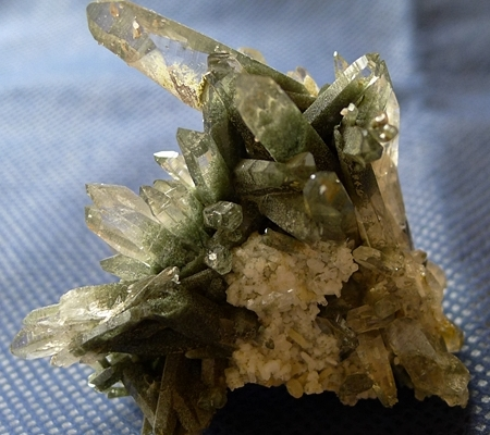 ヒマラヤ水晶原石緑泥石入り048-5