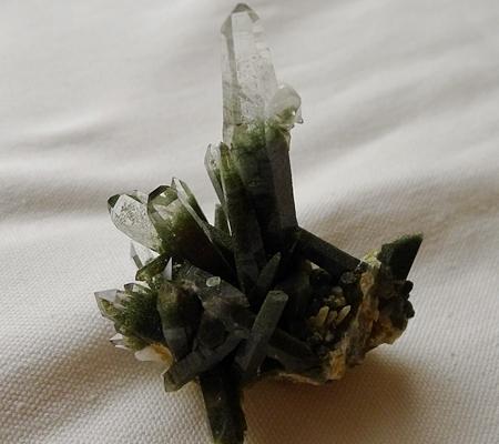 ヒマラヤ水晶原石緑泥石入り050-6