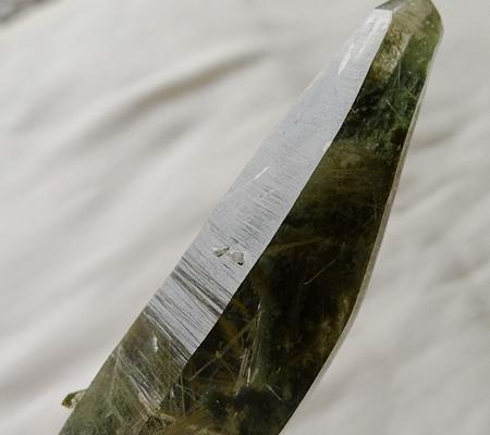 ヒマラヤ水晶原石緑泥石入り052-10