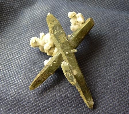 ヒマラヤ水晶原石緑泥石入り053-4