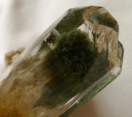 ヒマラヤ水晶原石緑泥石入り054-8