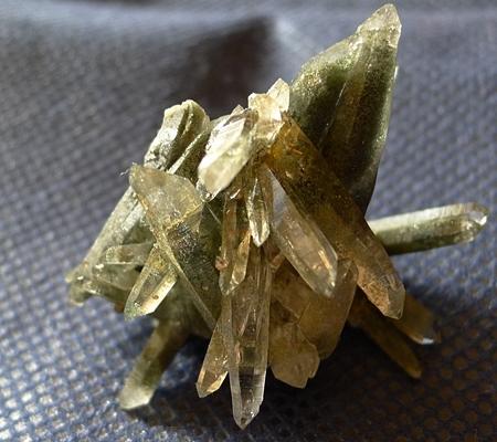 ヒマラヤ水晶原石緑泥石入り057-3