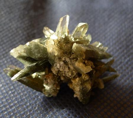 ヒマラヤ水晶原石緑泥石入り057-5