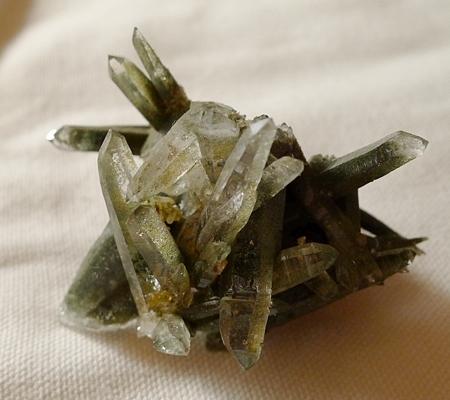 ヒマラヤ水晶原石緑泥石入り057-7