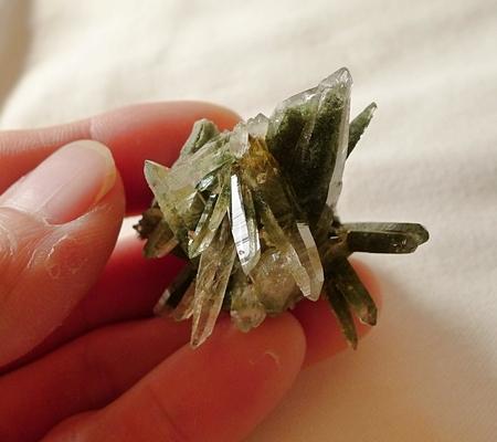 ヒマラヤ水晶原石緑泥石入り057-9