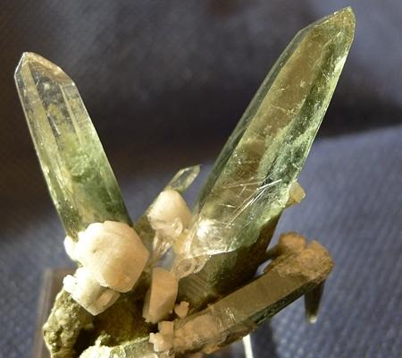 ヒマラヤ水晶原石緑泥石入り059-2