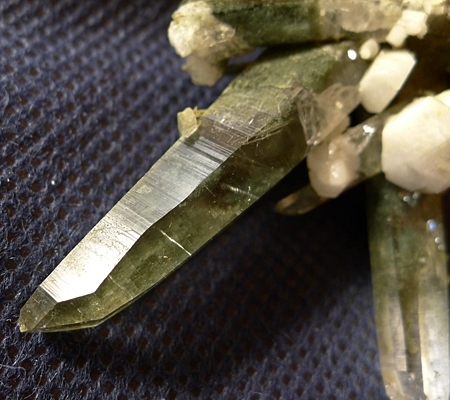 ヒマラヤ水晶原石緑泥石入り059-5