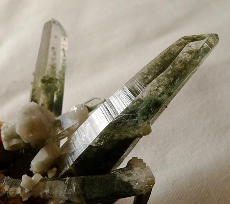 ヒマラヤ水晶原石緑泥石入り059-7