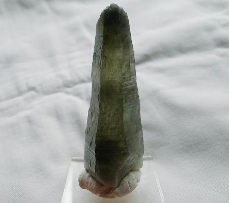 ヒマラヤ水晶原石針金形状内包物入り027-2