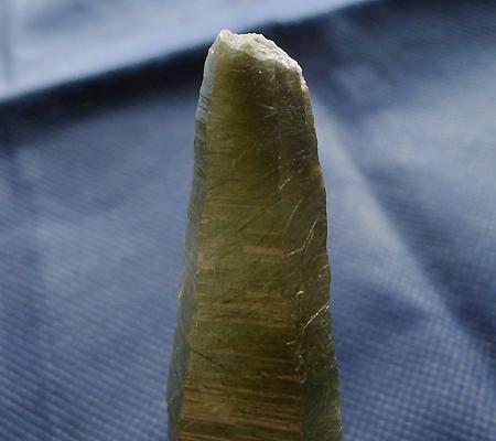 ヒマラヤ水晶原石針金形状内包物入り027-5