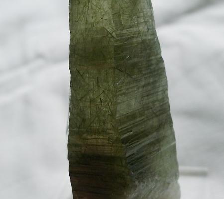 ヒマラヤ水晶原石針金形状内包物入り027-9