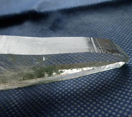 ヒマラヤ水晶原石針金形状内包物入り028-11