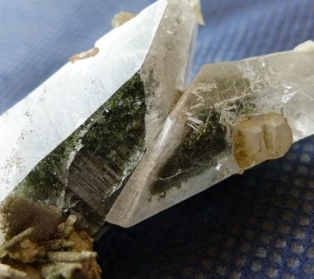 ヒマラヤ水晶原石特殊形状044-5