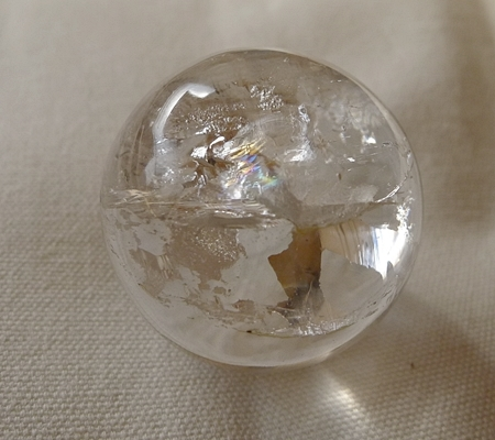ヒマラヤ水晶丸玉・置物025-4