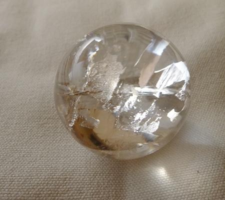 ヒマラヤ水晶丸玉・置物025-5