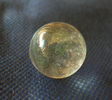 ヒマラヤ水晶丸玉内包物入り014-3