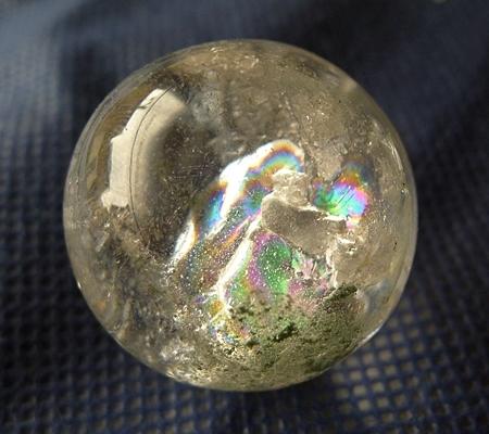 ヒマラヤ水晶丸玉内包物入り015-2
