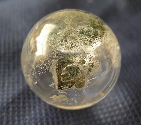 ヒマラヤ水晶丸玉内包物入り015-6