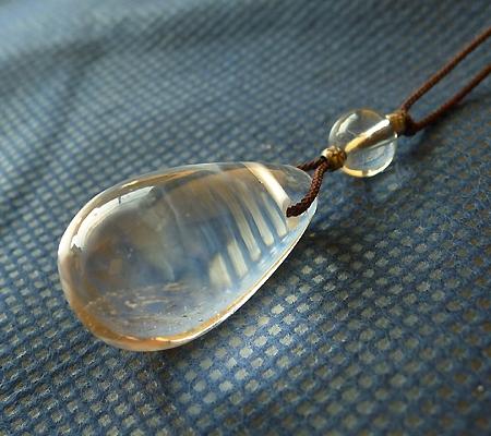 ヒマラヤ水晶紐付きチョーカー025-2