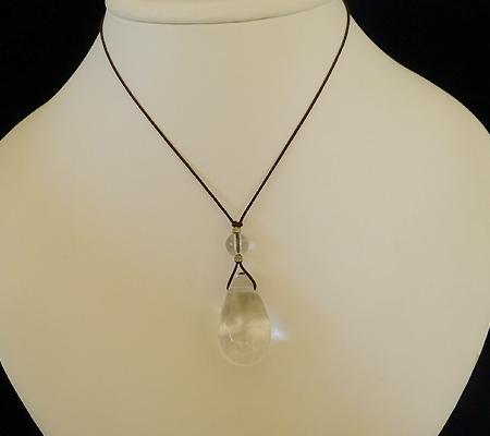 ヒマラヤ水晶紐付きチョーカー025-8