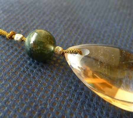 ヒマラヤ水晶紐付きチョーカー028-5