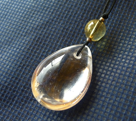 ヒマラヤ水晶紐付きチョーカー029-4