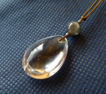 ヒマラヤ水晶紐付きチョーカー030-2