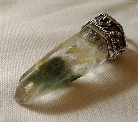 ヒマラヤ水晶ペンダント緑泥石入り050-5