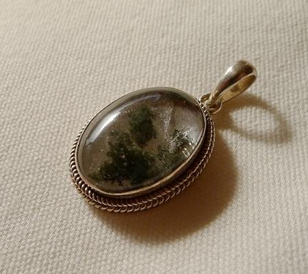 ヒマラヤ水晶ペンダント緑泥石入り052-4