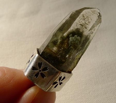 ヒマラヤ水晶ペンダント緑泥石入り064-8