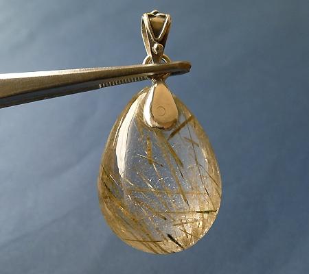 ヒマラヤ水晶ペンダント針金形状内包物入り052-2