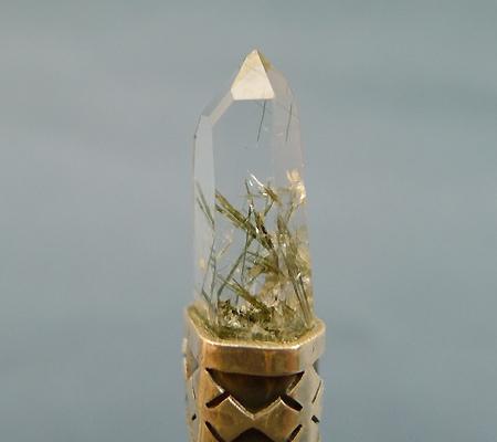 ヒマラヤ水晶ペンダント針金形状内包物入り053-4