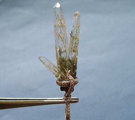 ヒマラヤ水晶ペンダント針金形状内包物入り058-5