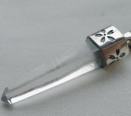 ヒマラヤ水晶ペンダント針金形状内包物入り065-5