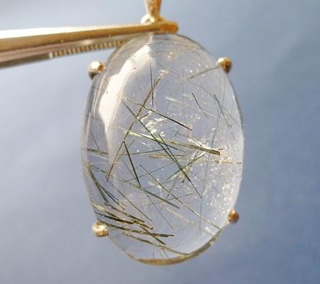 ヒマラヤ水晶ペンダント針金形状内包物入り069-2