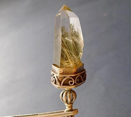 ヒマラヤ水晶ペンダント針金形状内包物入り077-2