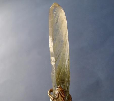 ヒマラヤ水晶ペンダント針金形状内包物入り083-2