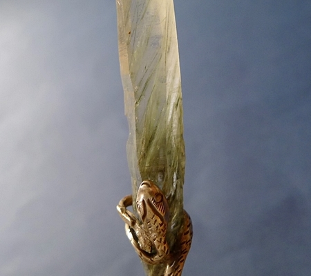ヒマラヤ水晶ペンダント針金形状内包物入り083-3