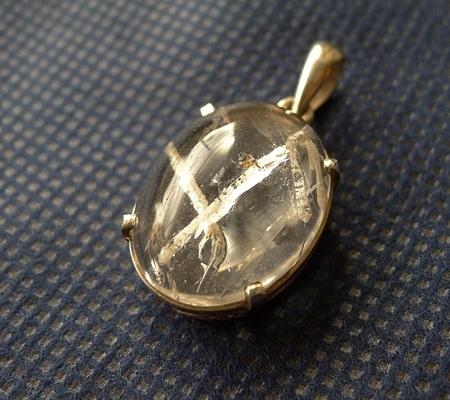ヒマラヤ水晶ペンダント特殊内包物027-6