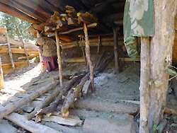 ヒマラヤ水晶の鉱脈・採掘現場調査003-3