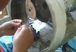 質の良いヒマラヤ水晶ブレスレットが出来るまで02